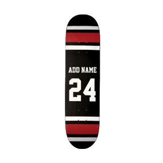 Preto e vermelho ostenta o número conhecido feito shape de skate 18,1cm
