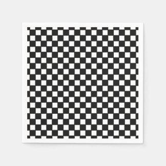 Preto, guardanapo checkered branco do coctail
