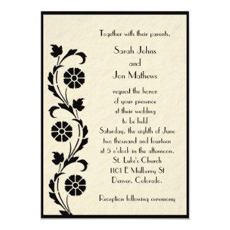 Preto no convite floral do casamento do pergaminho