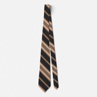 Preto, Tan e gravata branca da listra
