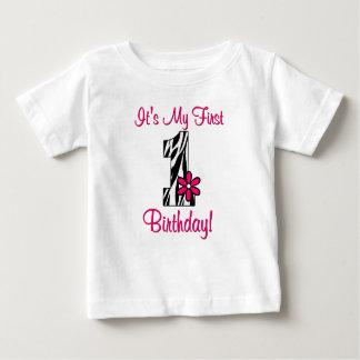 Primeira camisa das meninas do impressão da zebra