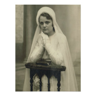 Primeira menina do comunhão santamente poster