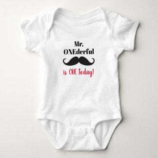 Primeiro aniversario do Sr. ONDderful uma camisa