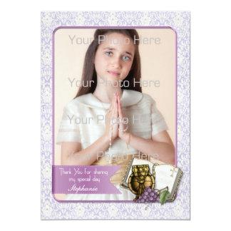 Primeiro comunhão, cartão com fotos roxo do convites personalizado