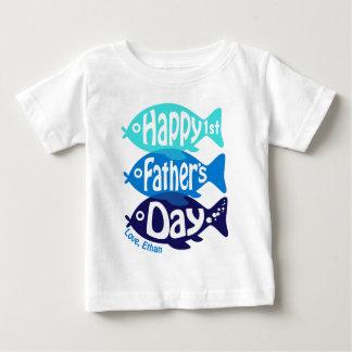 Primeiro T da pesca do bebé da camisa do dia dos