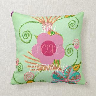 Princesa cor-de-rosa espanhola do texto da flor almofada