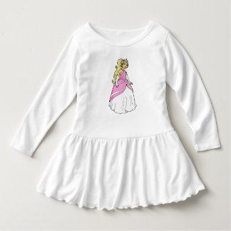 Princesa no vestido cor-de-rosa do plissado da