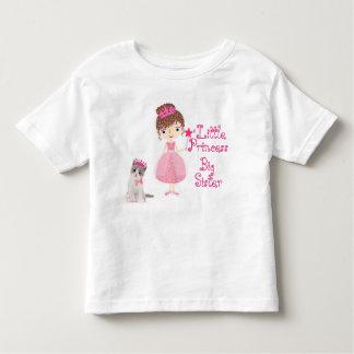 Princesa pequena irmã mais velha camiseta infantil