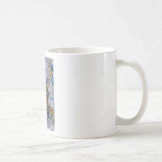 Principalmente folhas brancas caneca de café