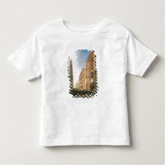 Procissão de Corpus Christi dentro através de Dora Tshirt