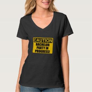 Progresso do despedida de solteiro do cuidado camiseta