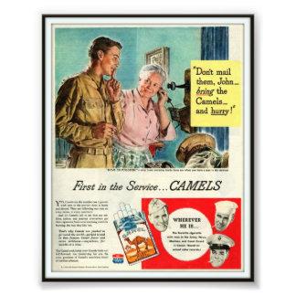 Propaganda de cigarro 1944 do camelo do vintage fotografia