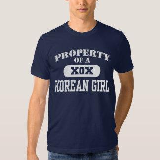 Propriedade de uma menina coreana tshirts