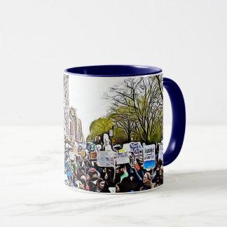 Protestadores no março para a caneca de café da
