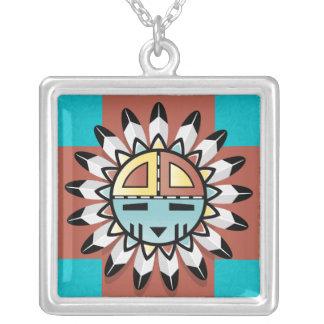 Protetor de Sun do Hopi com a colar do pendente de