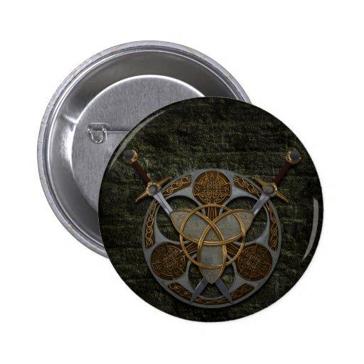 Protetor e espadas celtas boton