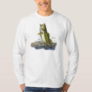 Pulando o baixo largemouth t-shirts