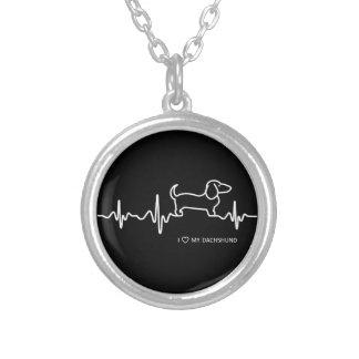 Pulsação do coração do Dachshund em uma colar