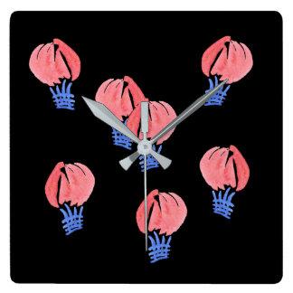 Pulso de disparo de parede quadrado dos balões de relógio quadrado