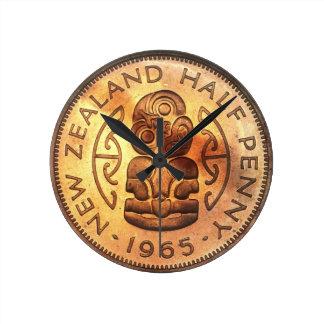 Pulso de disparo de Tiki da moeda de um centavo de Relógio Redondo