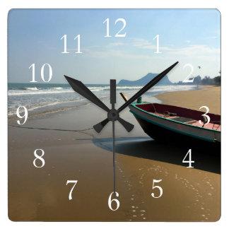 Pulso de disparo do barco da praia relógio quadrado