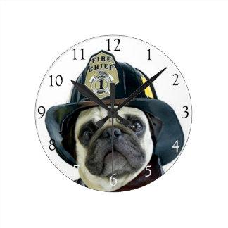 Pulso de disparo redondo do cão do pug do bombeiro relógios para paredes