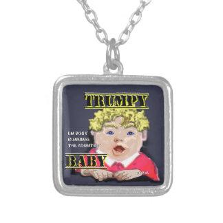 Quadrado chapeado prata da colar do bebê de Trumpy