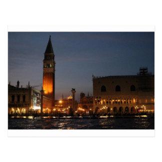 Quadrado macro de Veneza San no cartão da noite