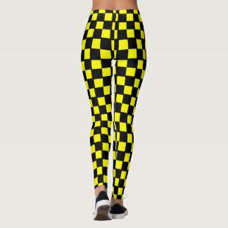 Quadrados amarelos e pretos do tabuleiro de damas legging