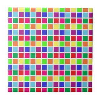 Quadrados coloridos no branco azulejo quadrado pequeno