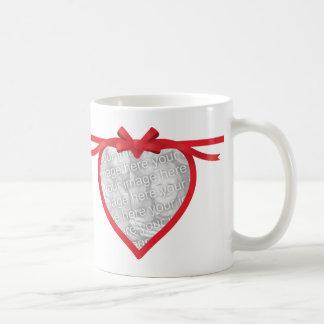 Quadro da foto da fita do coração caneca de café