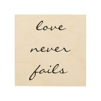 Quadro De Madeira O amor nunca falha - a arte de madeira inspirada