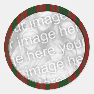 quadro listrado vermelho e verde da foto adesivos em formato redondos