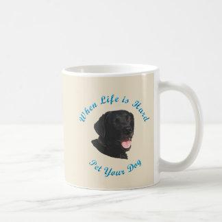 Quando a vida for dura (labrador retriever) caneca de café