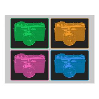 Quatro câmeras retros coloridas cartões postais