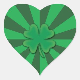Quatro etiquetas do coração do trevo da folha adesivos de corações