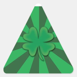 Quatro etiquetas do triângulo do trevo da folha adesivo em forma de triângulo