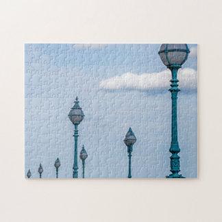 Quebra-cabeça azul da foto dos lampposts