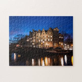 Quebra-cabeça Casas do canal de Amsterdão na noite