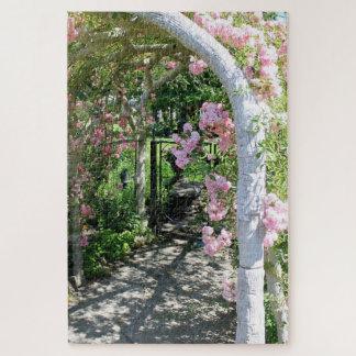 Quebra-cabeça cor-de-rosa bonito do arco da flor