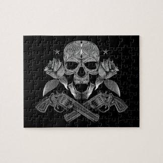 Quebra-cabeça Crânio e armas pretos & brancos