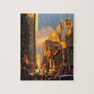 Quebra-cabeça Distrito NYC do teatro do Midtown do por do sol da