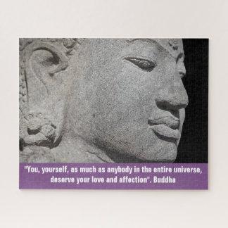 Quebra-cabeça Feche acima da escultura de Buddha & das citações