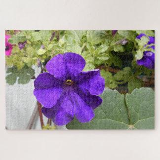 Quebra-cabeça Fim-acima violeta da flor do petúnia