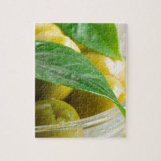 Quebra-cabeça Ideia macro das azeitonas com folhas verdes