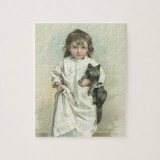 Quebra-cabeça Menina do Victorian do vintage em um Nightgown com
