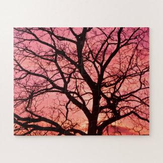 Quebra-cabeça Nivelar cora silhueta da árvore
