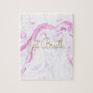 Quebra-cabeça O mármore cor-de-rosa apenas respira o design
