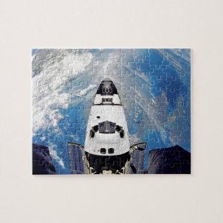 Quebra-cabeça Órbita de terra de Atlantis do vaivém espacial da