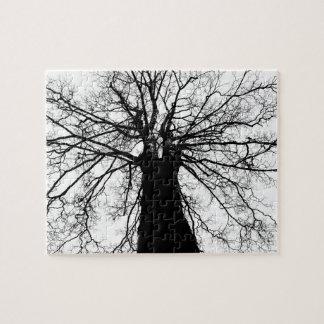 Quebra-cabeça Silhueta da árvore em preto e branco